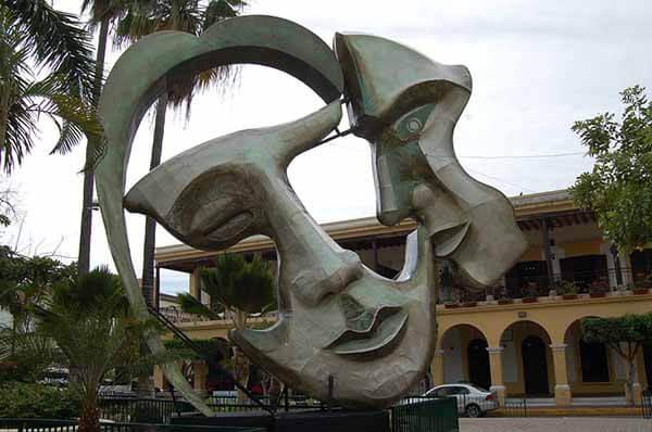 estatua mazatlan